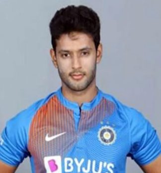 Shivam Dube Profile Photo - Indian Cricketer Shivam Dube Info, ICC Ranking, Records, Wiki, Family along with latest Images and News.