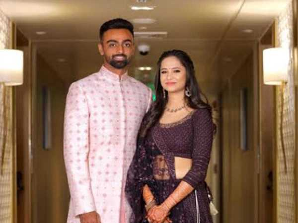 Jaydev Unadkat with his Wife