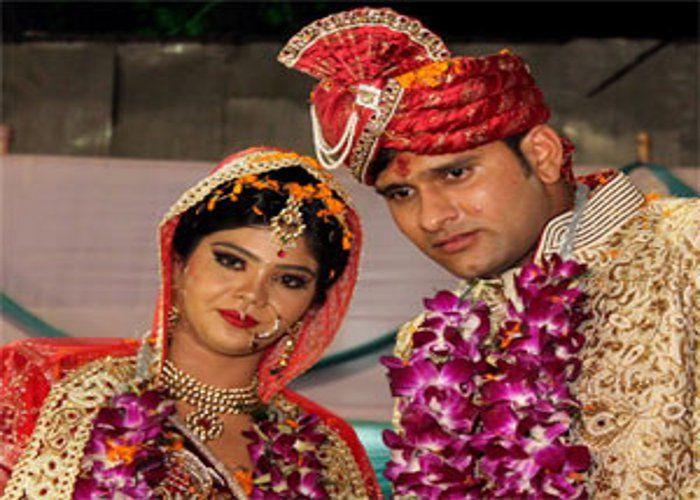 Saurabh Tiwary with his wife Nikita Mishra.