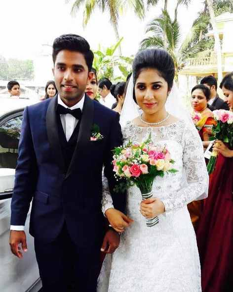 Sachin Baby with wife Anna Chandy.