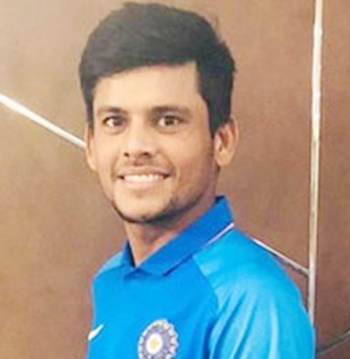 Priyam Garg Profile Photo - Indian Cricketer Priyam Garg's Career Stats, ICC Ranking, Records, Wiki, Family along with latest Images and News.