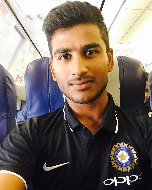 Virat Singh Profile Photo - Indian Cricketer Virat Singh's Career Stats, ICC Ranking, Records, Wiki, Family along with latest Images and News.