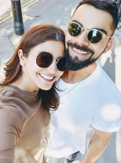 Beautiful selfie Photo of the Indian Cricketer Virat Kohli with his wife Anushka Sharma.
