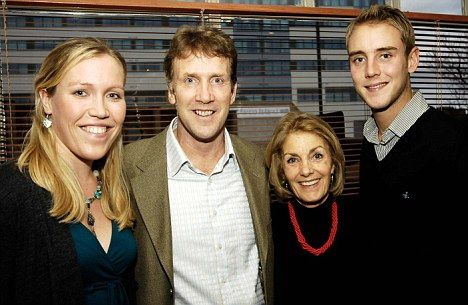 Stuart Broad Beautiful Family Pictures with her Mother and Father.