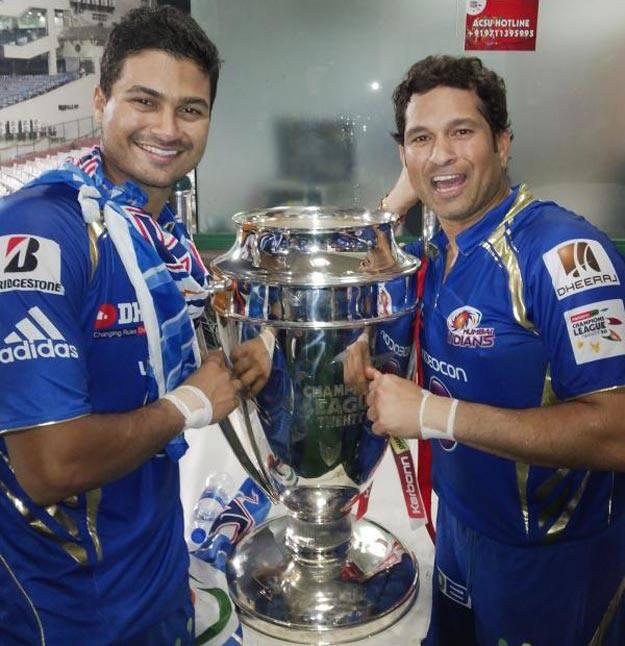 Aditya Tare with Sachin Tendulkar