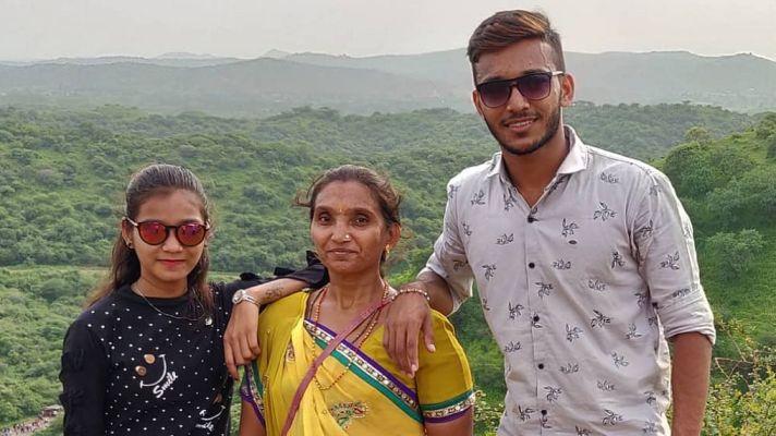 Chetan Sakariya with family.