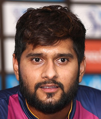 Saurabh Tiwary Profile Photo - Indian Cricketer Saurabh Tiwary Info, ICC Ranking, Records, Wiki, Family along with latest Images and News.